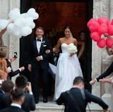Ja, sie haben sich getraut! Fußballstar Bastian Schweinsteiger und die schöne Tennisspielerin Ana Ivanovi? haben in Venedig geheiratet.