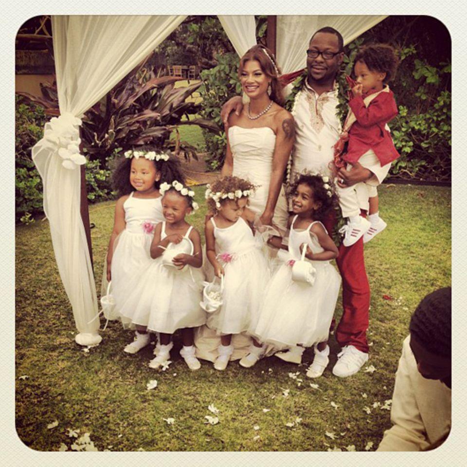 18. Juni 2012: Am Strand von Hawaii heiratet Bobby Brown seine Verlobte Alicia Etheredge. Mit dabei sind seine Kinder Landon, La