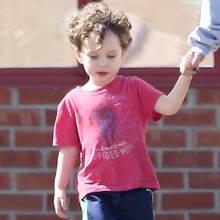 18. Februar 2015: Natalie Portman und Söhnchen Aleph unterwegs in Los Angeles. Mittlerweile ist der det Kleine schon etwas größer geworden: Im Juni wird er vier Jahre alt.