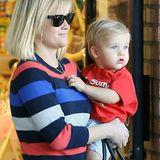 """14. Januar 2014: Es ist """"Mommy and Me""""-Zeit für Reese Witherspoon und Sohn Tennessee James, zum gemeinsamen Spielen besuchen sie """"Kidville"""" in Los Angeles."""