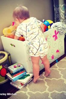 28. März 2014: Heute wird die kleine Kenzie schon 1 Jahr als und ihre Mutter Beverley Mitchell kann kaum glauben, dass die Zeit so schnell verging.