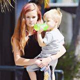 16. März 2015: Ganz verantwortungsbewusst holt Reese Witherspoons Tochter Ava ihren Bruder Tennessee von der Schule ab.