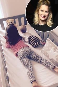 """30. Juni 2016:  """"Geschwisterliebe"""": Model-Schönheit Monica Ivancan postet diesen zuckersüßen Schnappschuss von ihren zwei Kindern. Tochter Rosa ist drei Jahre alt und Sohnemann Anton hat im April 2016 das Licht der Welt erblickt."""