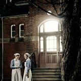 Andreas Herzsprung hat bewusst seine Schwester Anna Maria Mühe und ihre Freundin Hannah Herzsprung für die Rollen der Krankensch