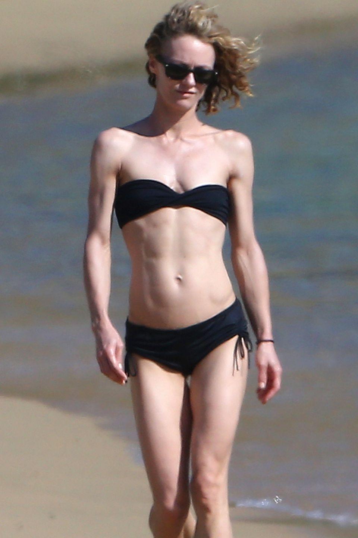 Schauspielerin Vanessa Paradis zeigt im Griechenland-Urlaub ihren extrem durchtrainierten Körper.