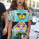 Like a butterfly: Rihanna mit markantem Print