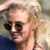 """Britney """"Fiese Frise forever"""" Spears hat wieder einmal das pure Chaos auf dem Kopf. Trotz eines riesigen Millionenvermögens und etlicher Angestellter sehen ihre Extensions wieder aus wie Kraut und Rüben."""
