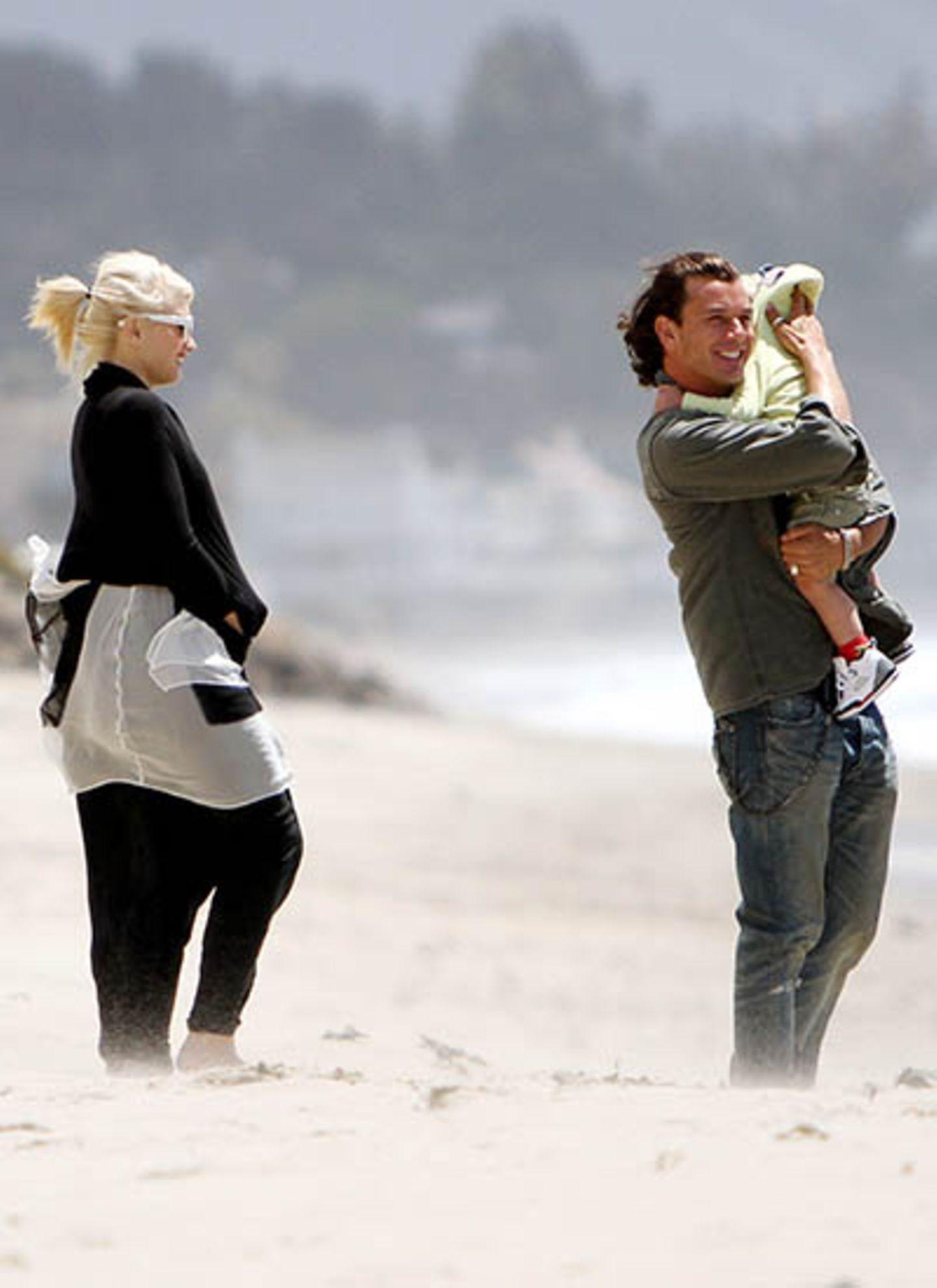 23. Mai 2010: Am Strand von Malibu genießen Gwen, Gavin und ihre Jungs die gute Seeluft.