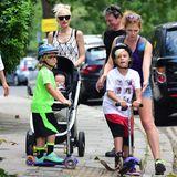24. Juli 2014  Gwen Stefani ist mit ihren drei Jungs in der Londoner Nachbarschaft Primrose Hill unterwegs.