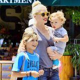 28. Juli 2015  Kingston und Apollo begleiten ihre Mama zum Einkaufen bei Whole Foods in Sherman Oaks.