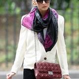 Interessanter Mix: Bei Olivia Palermo trifft ein dezentes Leoparden-Muster auf rauchige Grautöne und sattes Pink.