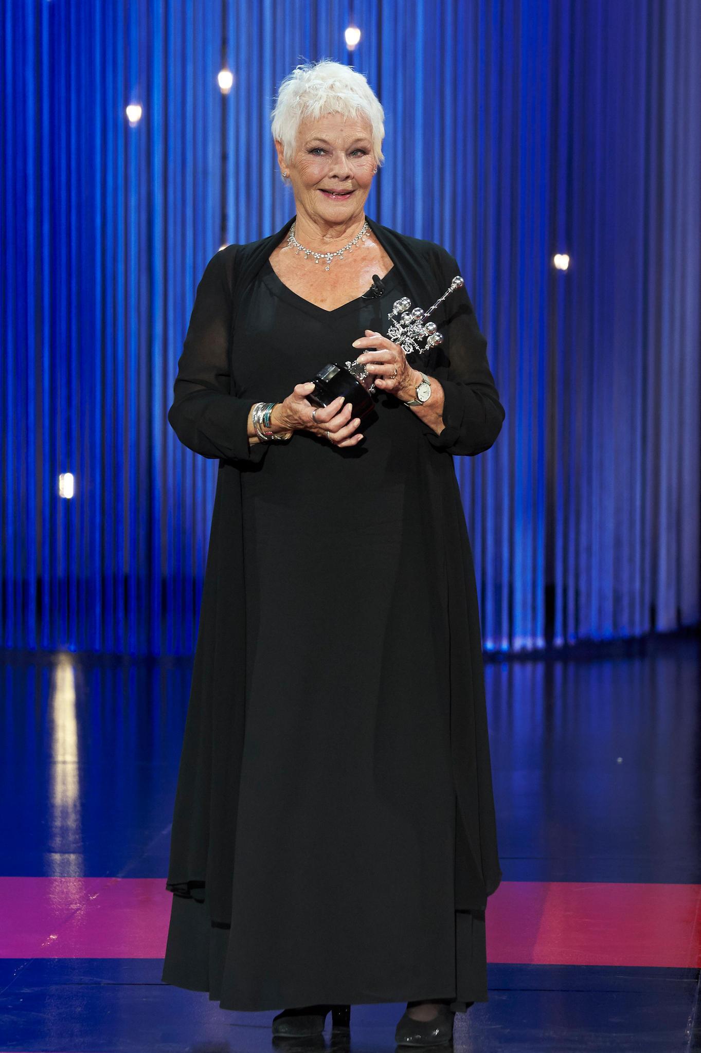 Judi Dench - Starportr