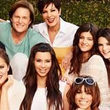 Kris Jenner hat ins Fotoarchiv gegriffen und ein Familienbild geteilt, das noch vor ihrer Trennung von Bruce Jenner entstanden ist.