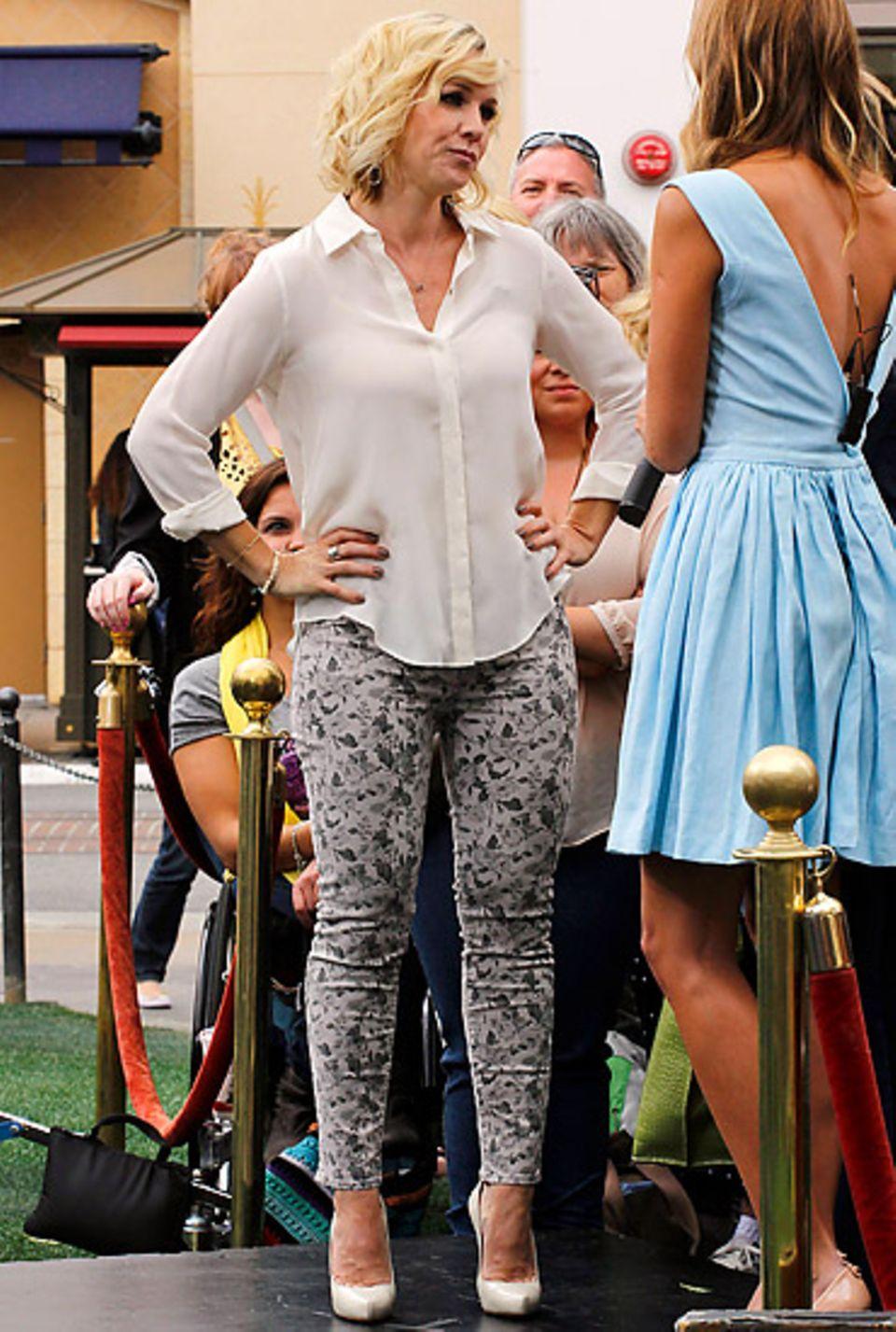 """Im April 2012 zeigt sich Jennie Garth noch mit gesunden Rundungen in der """"Extra""""-Show in Los Angeles."""