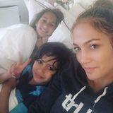 25. April 2016  Jennifer Lopez' perfekter Nachmittag fängt mit ihren Kindern Max und Emme an und hört mit ganz viel kuscheln auf.