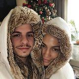 25. Dezember 2015  Am Weihnachtstag mummeln Casper und J.Lo sich ein und machen es sich zu Hause gemütlich.