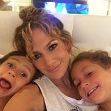 10. Mai 2015  Jennifer Lopez wünscht allen Moms einen tollen Muttertag. Sie verbringt ihren, wie auch sonst, mit ihren Kindern Max und Emme.