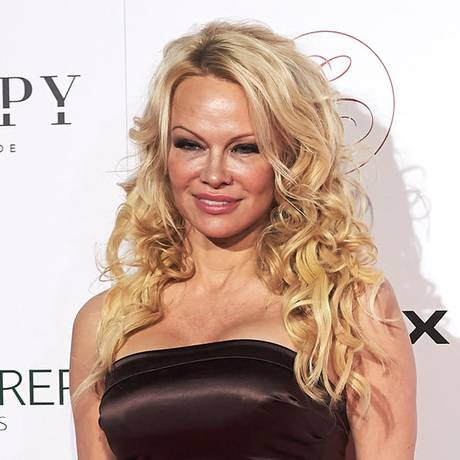 pamela anderson steckbrief news bilder. Black Bedroom Furniture Sets. Home Design Ideas