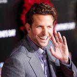 """2011: Bradley CooperZum """"Sexiest Man Alive"""" ist in diesem Jahr der Schauspieler Bradley Cooper gewählt worden. Seine erste Rea"""