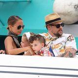 22. Juli 2013: Auf Europareise: Nicole Richie und Joel Madden verbringen einen Urlaubstag mit ihren Kindern Harlow und Sparrow in Saint-Tropez.