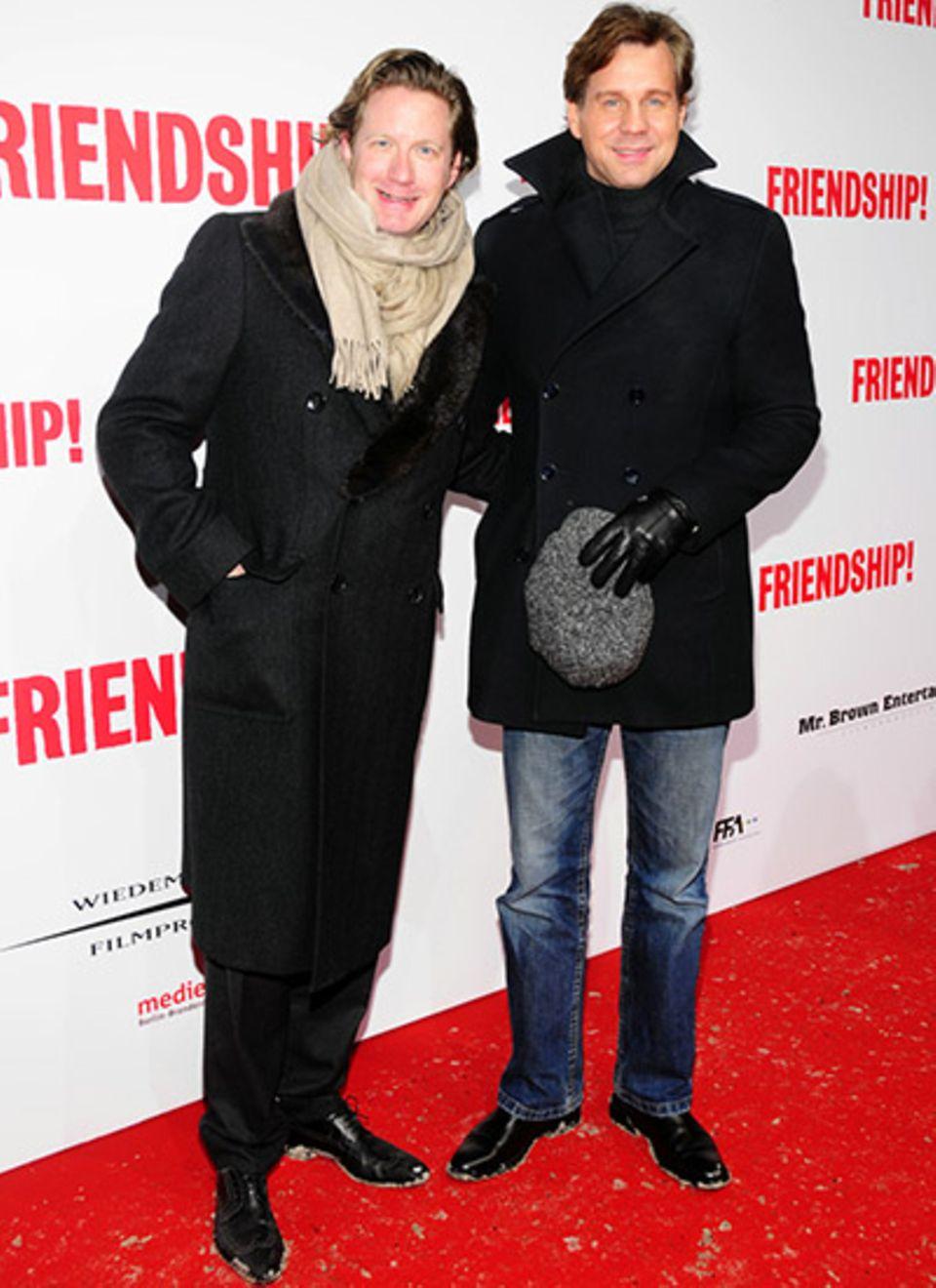 Co-Produzent David Groenewold und der Schauspieler Thomas Heinze sind froh der Winterkälte entflohen zu sein.