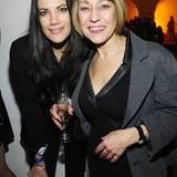 Bettina Zimmermann feiert zusammen mit Gitta Schweighöfer den Erfolg ihres Sohnes Matthias.