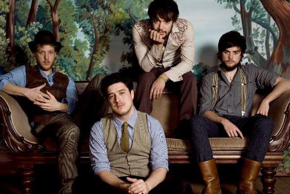 """Die echten """"Mumford and Sons"""": Ted Dwane, Marcus Mumford, Ben Lovett und Winston Marshall."""