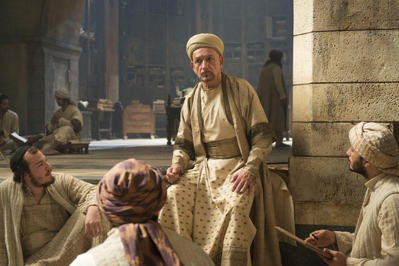 Sir Ben Kingsley als fernöstlicher Gelehrter Ibn Sina