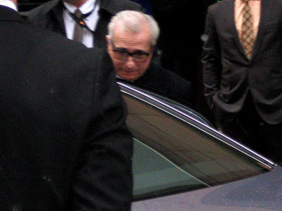 Martin Scorsese freut sich auch über sein bereits startklares Auto.