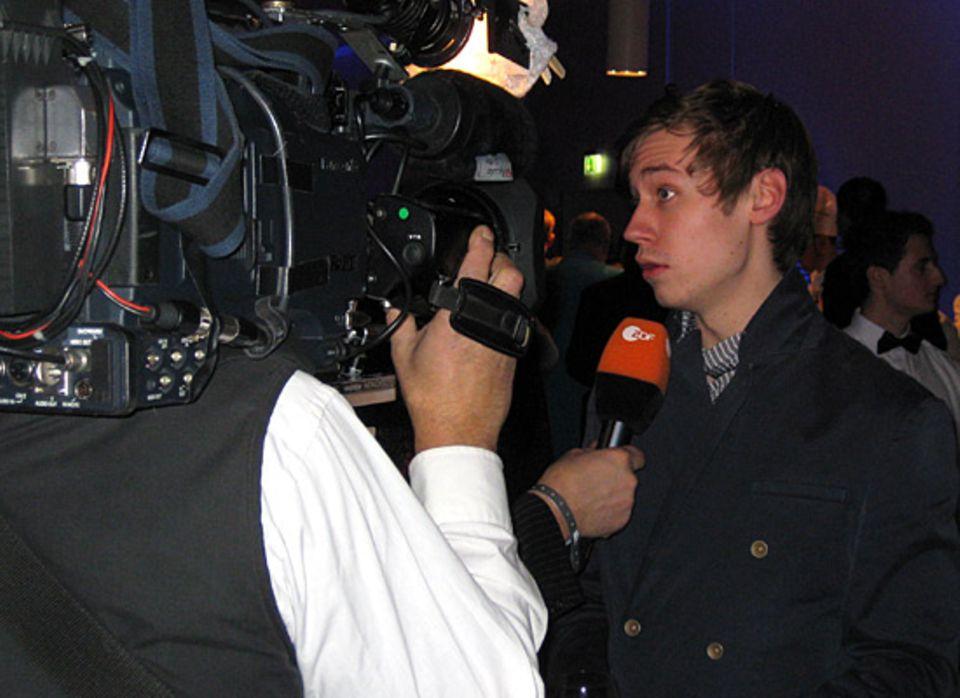 Das gehört dazu: Auch David Kross gibt bereitwillig Interviews.