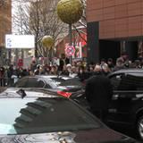 Heutiger Star des Tages ist eindeutig Leonardo DiCaprio, auf den die Masse hier wartet.