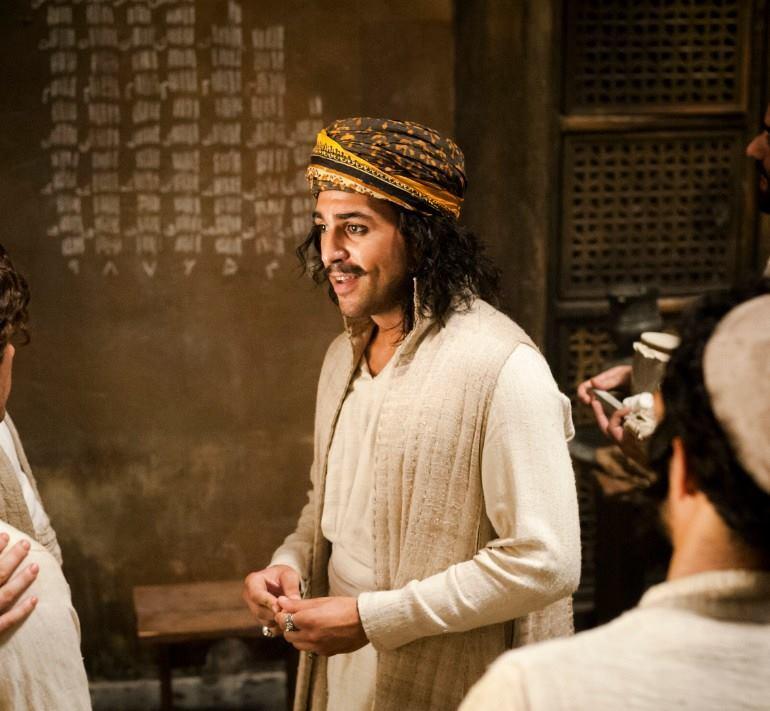 Elyas M'Barek verkörpert Robs Freund Karim.