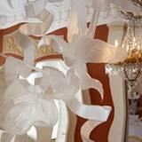 Kunstvoll gearbeitete Spiegel sind zwar nicht für den tägliche Badezimmergebrauch gedacht, eignen sich aber vorzüglich für klein
