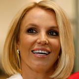 Lange Haare waren gestern, heute gehört Britney Spears der Bob-Rige an. Denn statt langen Zotteln trägt die Sängerin nun einen gesunden, frischen Bobhaarschnitt, der ihre schönen Gesichtszüge betont.