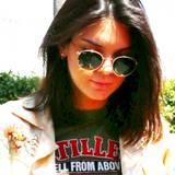 Model und Reality-TV-Star Kendall Jenner hat sich von knappen fünf Zentimetern Haar getrennt und trägt jetzt einen angesagten Long-Bob.