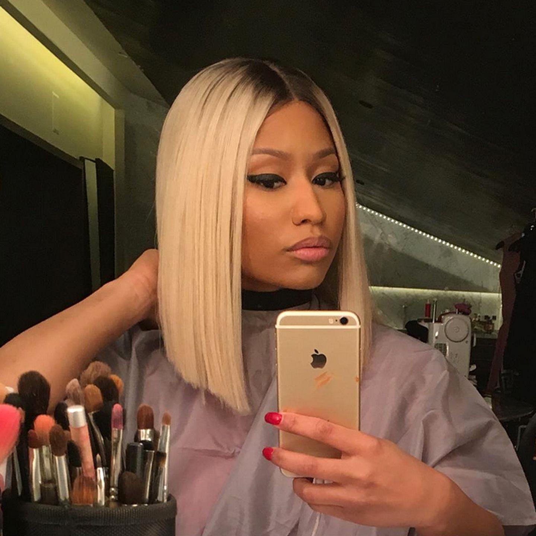 Nicht nur, dass Nicki Minaj von Schwarz auf Blond umgestiegen ist, sie trägt jetzt auch einen trendigen Long-Bob und zeigt diesen natürlich auch gleich ihren Instagram-Fans.