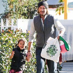 16. Januar 2013: Freudestrahlend holt Gabriel Aubry seine Tochter Nahla von der Schule in Beverly Hills ab.