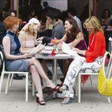 Vier Freundinnen beim Frühstück ? sie haben Zeit und sie müssen (fast) nie arbeiten.