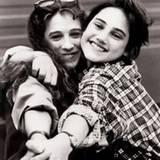 Mit 16 nahm Sarah eine Rolle in der Sitcom »Square Pegs« an, die in Los Angeles gedreht wurde.