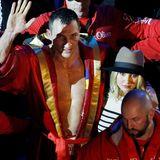 28. November 2015: Wladimir ist als ab sofort als Box-Champion enttrohnt. Er erlitt seine erste Niederlage nach 11 Jahren. Pech im Kampf, Glück in der Liebe: Hayden steht ihrem persönlichen Champion in dieser schweren Stunde zu Seite.