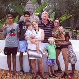 1. August 2014  Boris Becker verabschiedet sich mit Familie und Freunden mit einem Foto auf Instagram von seinem Urlaubsdomizil Ibiza.