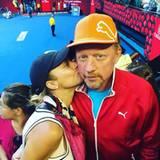 24. Januar 2016  Heute begleitet Lilliy Becker ihren Mann Boris zur Arbeit und ist zu Gast in der Rod Laver Arena wo die Australian Open stattfinden.