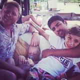 25. Mai 2014  Boris Becker twittert ein Bild von sich und seinen Söhnen von vor einem Jahr. Die Familie machte Urlaub auf Ibiza.