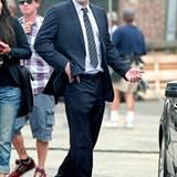 "Streifling: Bei den Dreharbeiten zu ""The Company Men"" sieht man Ben Affleck komplett im Streifenlook."