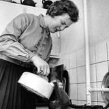 10. Januar 1960: Aus ihrer Rauch-Leidenschaft machte Königin Margrethe noch nie ein Geheimnis. Auch als Studentin griff sie bere
