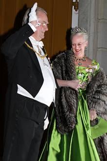 1. Januar 2011: Beim diesjährigen Neujahrsempfang auf Schloss Amalienborg bemekrt Prinz Henrik nicht, dass seine Hose offensteht