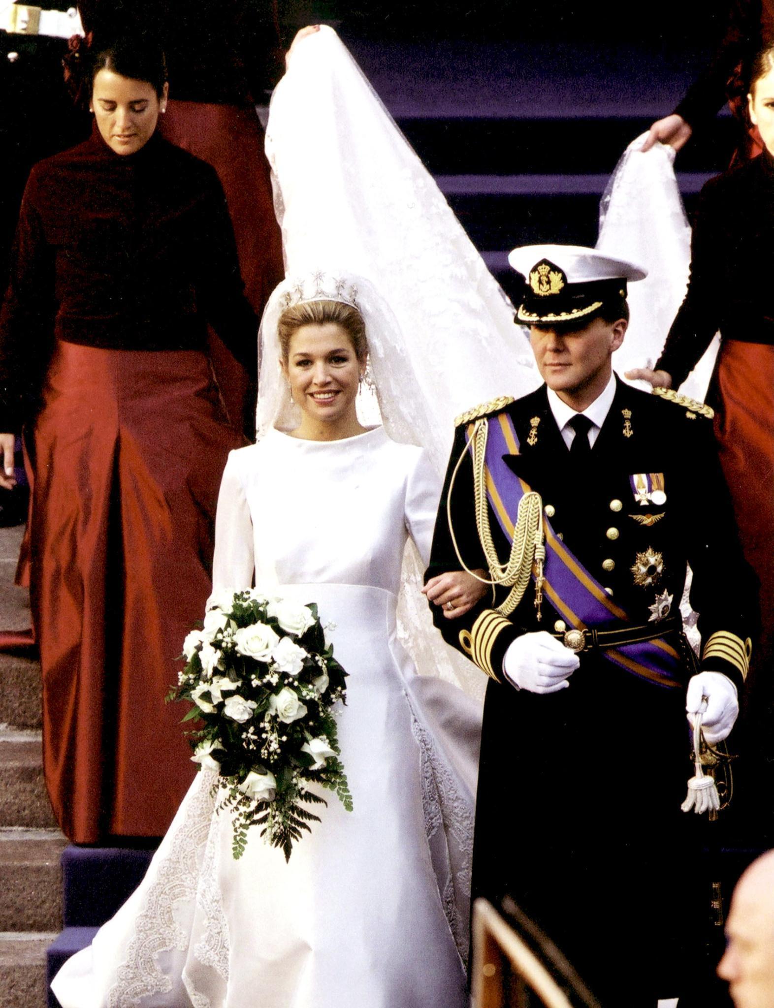 So jung, so schön, so herzerweichend glücklich - die Hochzeit des damaligen Thronfolgerpaares Máxima und Willem-Alexander der Niederlande am 2.2.2002 war eine hochemotionale Angelegenheit.