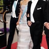 Prinz Carl Philip, seine Schwester Kronprinzessin Victoria und ihr Verlobter Daniel Westling machen sich auf den Weg in den Fest
