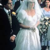 """Im Brautkleid von Anna Chancellor (""""Vier Hochzeiten und ein Todesfall"""" aus dem Jahr 1994) kann eine zurückgewiesene Braut zumind"""