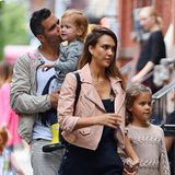 13. September 2014  Jessica Alba und Cash Warren bringen ihre Töchter Honor und Haven ins Kindermuseum in New York City.